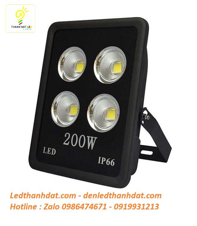 Đèn led pha 200w ip66