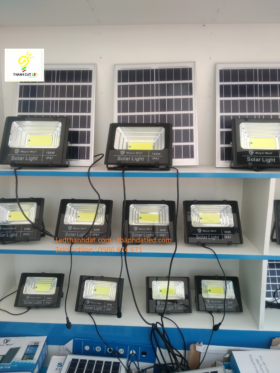 đèn pha năng lượng mặt trời 30w 50w 100w 150w 200w