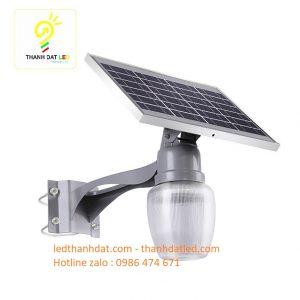 đèn treo tường sân vườn năng lượng mặt trời qt 60w