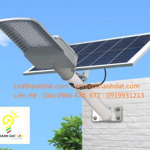 đèn đường năng lượng mặt trời 30w nhôm đúc cao cấp